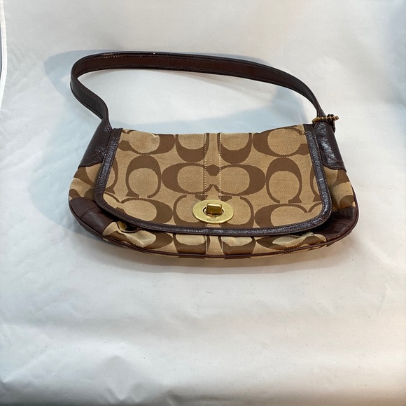 Coach Handbags - Brown coach bag